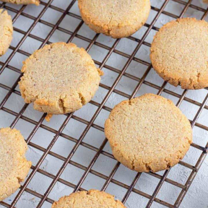 Keto-Gingersnap-Cookies cooling on a baking sheet