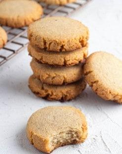 Keto-Gingersnap-Cookies