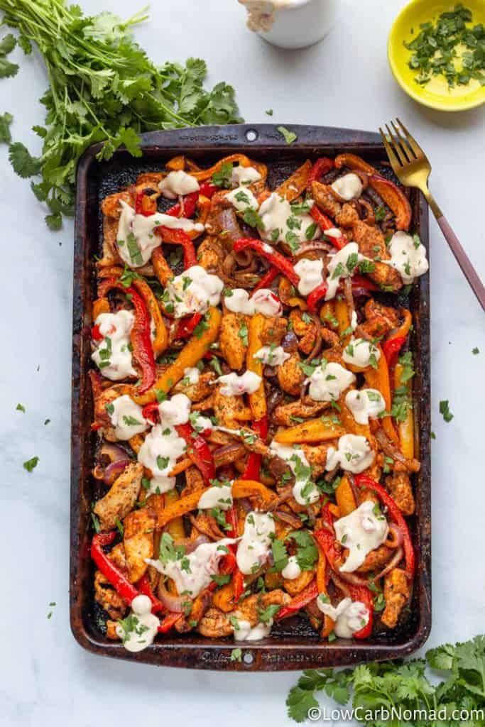 pan of chicken fajitas filling