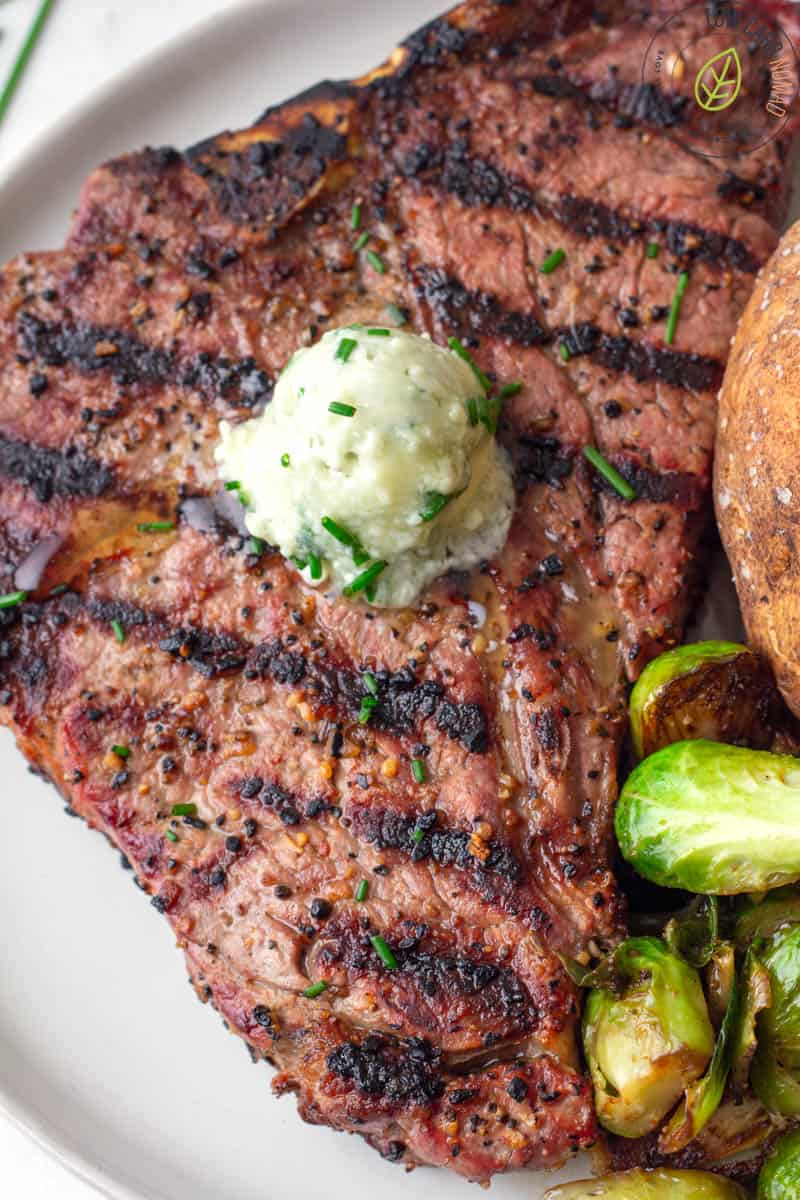 Steak with chives and blue cheese butter