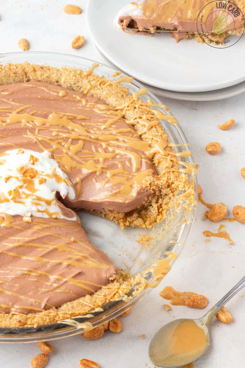 Chocolate Peanut Butter Keto Pie
